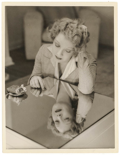 Film star Helen Twelvetrees, Rutland Gates, Bellevue Hill, Sydney, early 1936 / photograph by Sam Hood | by State Library of New South Wales collection
