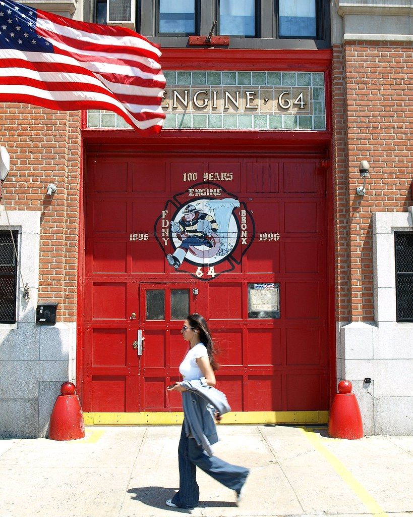 E064 FDNY Firehouse Engine 64 Castle Hill Bronx New York City