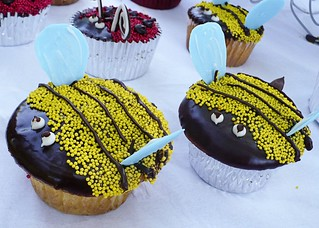 Bumblebee Cupcakes | by emmmylizzzy