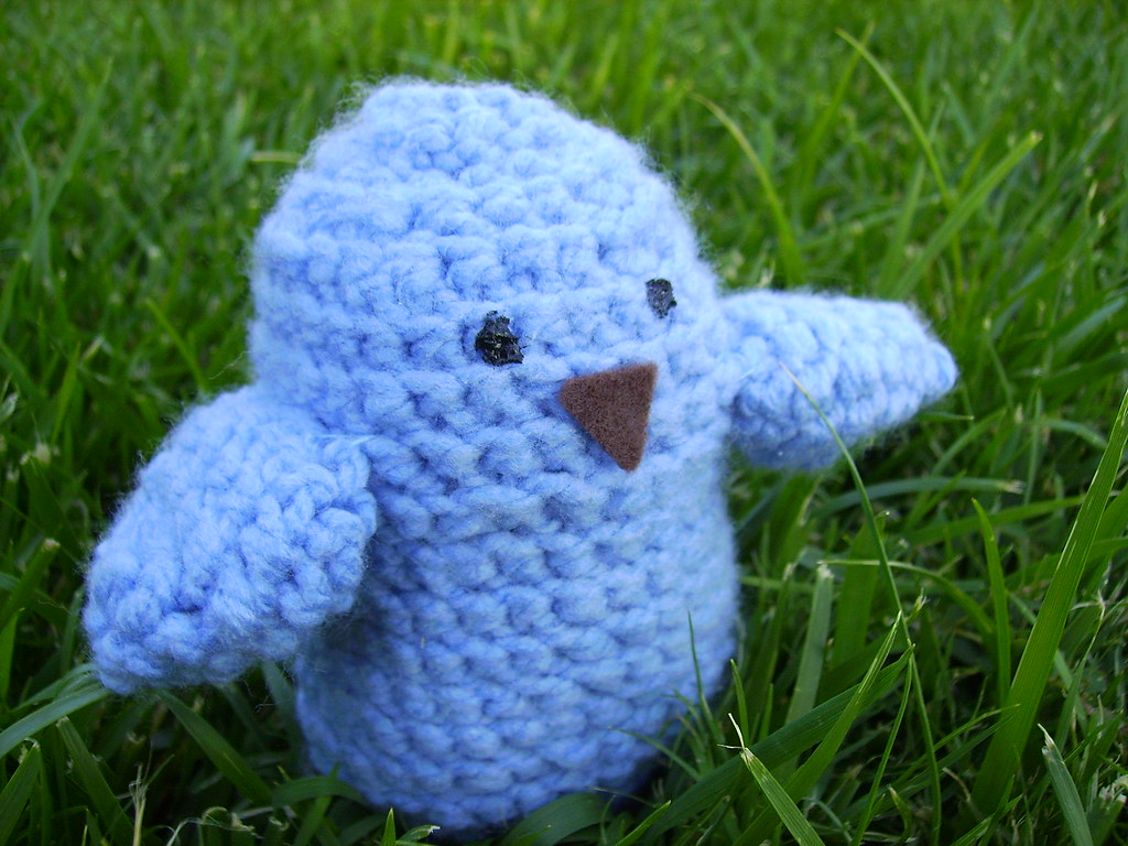 How to crochet little Bird - YouTube | 768x1024