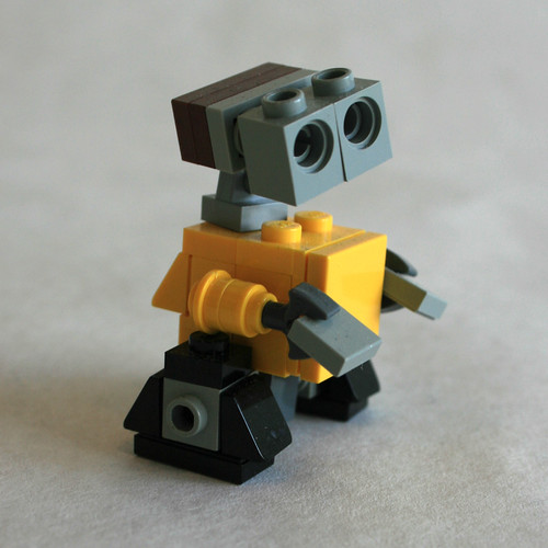 Wall•E Medium Side View | by MacLane