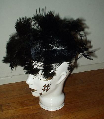 ... Vintage Christian Dior Chapeaux Feather Hat  0d011c3205b