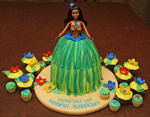 Hula Barbie Birthday Cake A Hula Girl Birthday Cake For