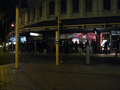 Long queue @ Vodafone iPhone 3G Q, Wellington | by mangee