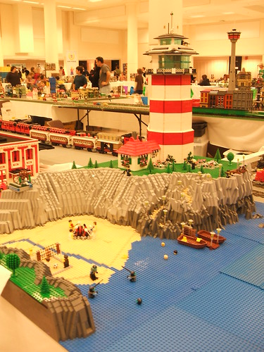 BrickCon '08 - Train Display, lighthouse | by wunztwice