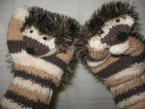 Free Knitting Pattern For Hedgehog Mittens : Hedgehog Mittens Pattern: Siililapaset by tinttitintti Yar? Flickr