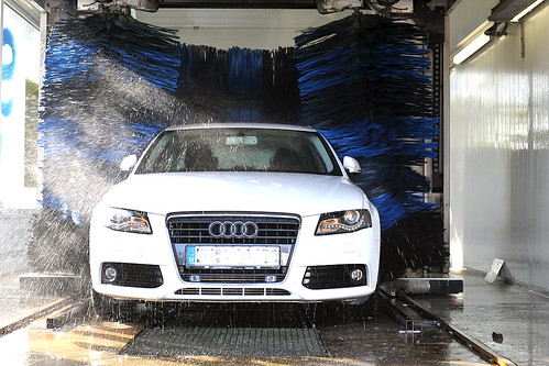 at the carwash II | by powerbook.blog