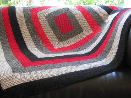 Minimalist log cabin blanket | by lauraver