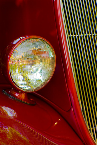 1933 Ford Headlights : Ford coupe headlight and part of the grill from a