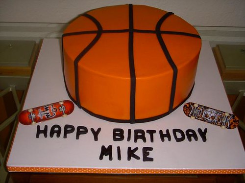 Basketball Cake Butterecream with fondant accents yvycano Flickr