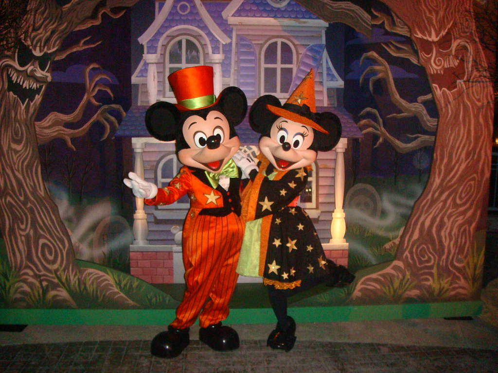 mickey and minnie in halloween costumes by partyhare - Mickey Minnie Halloween