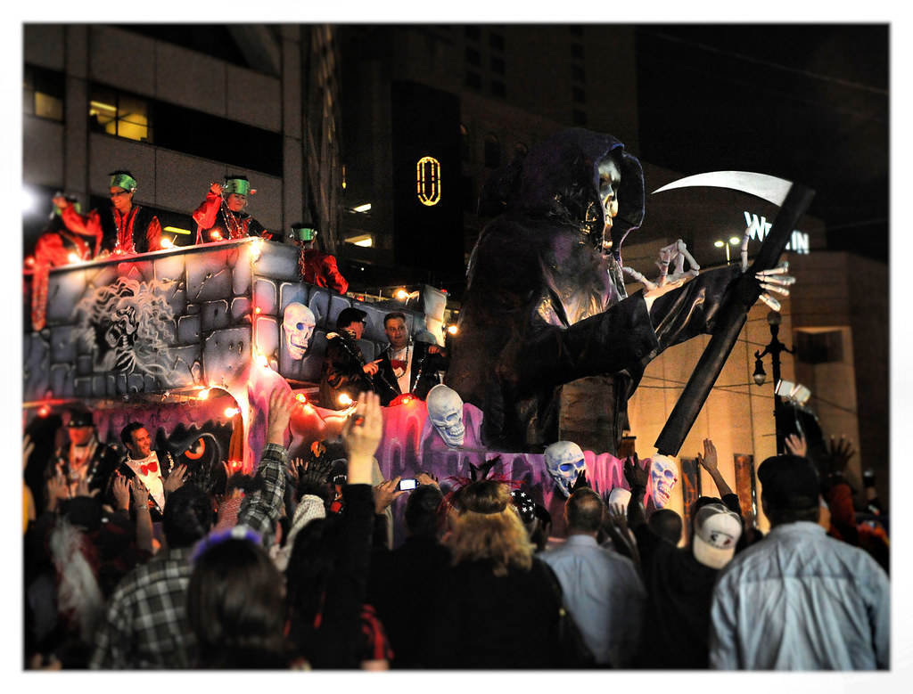 New Orleans Halloween Parade 2008 | I took this available li… | Flickr