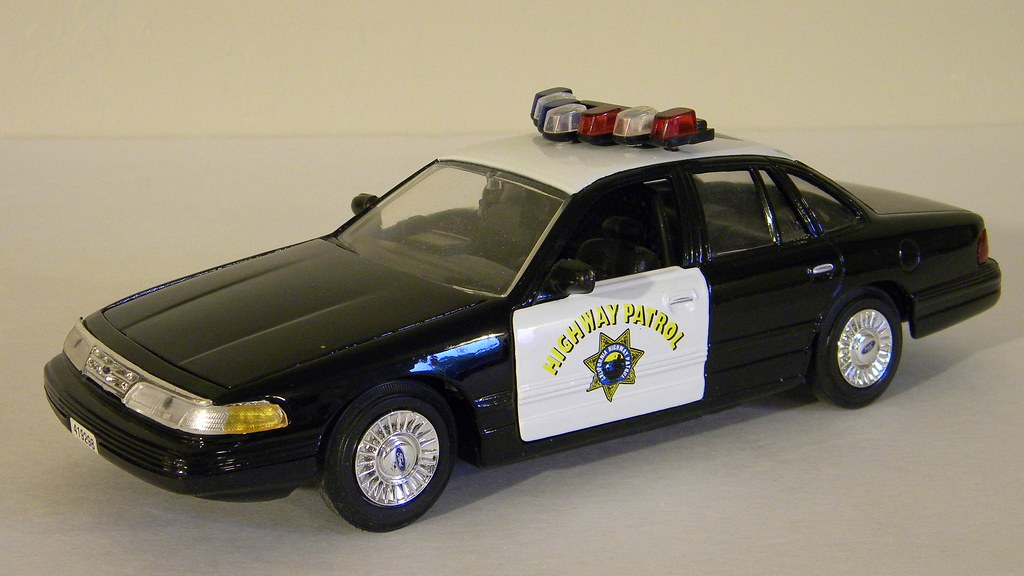 Ford Crown Victoria California Highway Patrol Car Welly  Th Scalecast