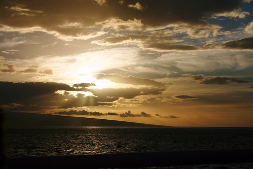 Sunset in Lahaina, HI | by oberstpac