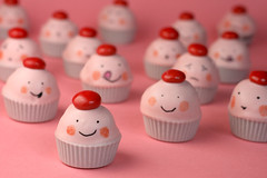 Cuppie Cupcake Bites for Cakespy | by Bakerella