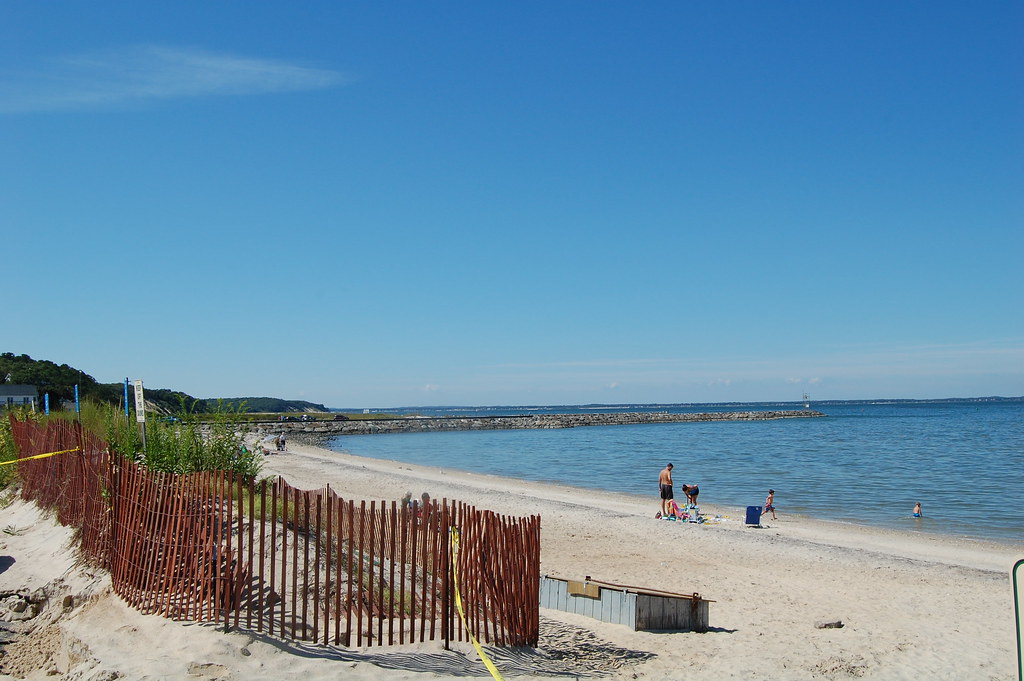 Hamtpons Beaches - Beautiful Waters on One of Long Island's Most ...