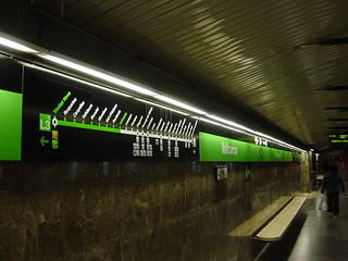 Subway Station - L3 Vallcarca - Barcelona - Spain | by Leo Roubos