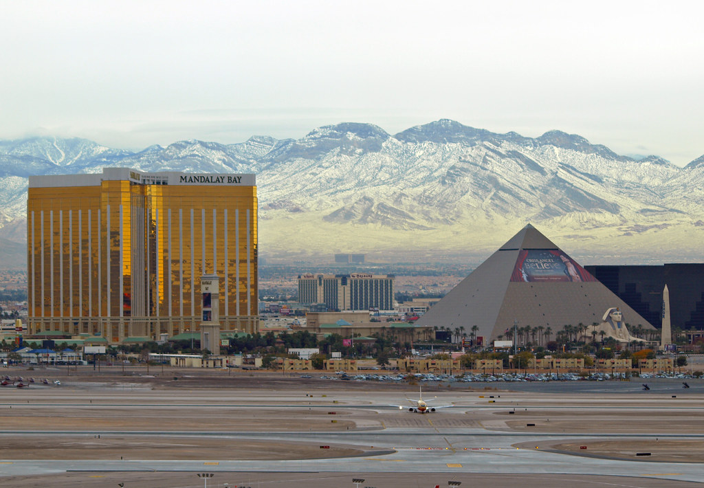 PROg Tarded Follow McCarran Int'l Airport, NV USA. Snow dusted mountains on a Vegas winter's day circa 2008. Image: g Tarded. CC.