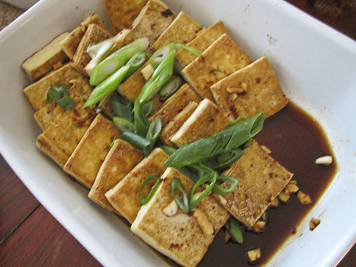 pan-fried tofu with garlic and spring onions | by atherosclerosis