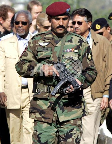 ssg pakistani army ssg commando mpa4 gun automatic kofi an flickr