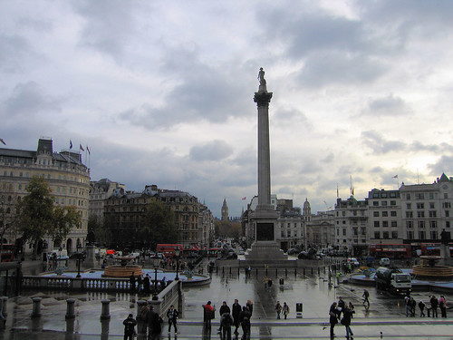 how to get to trafalgar square by tube
