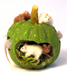 Pumpkin Mouse House | by tobacco9