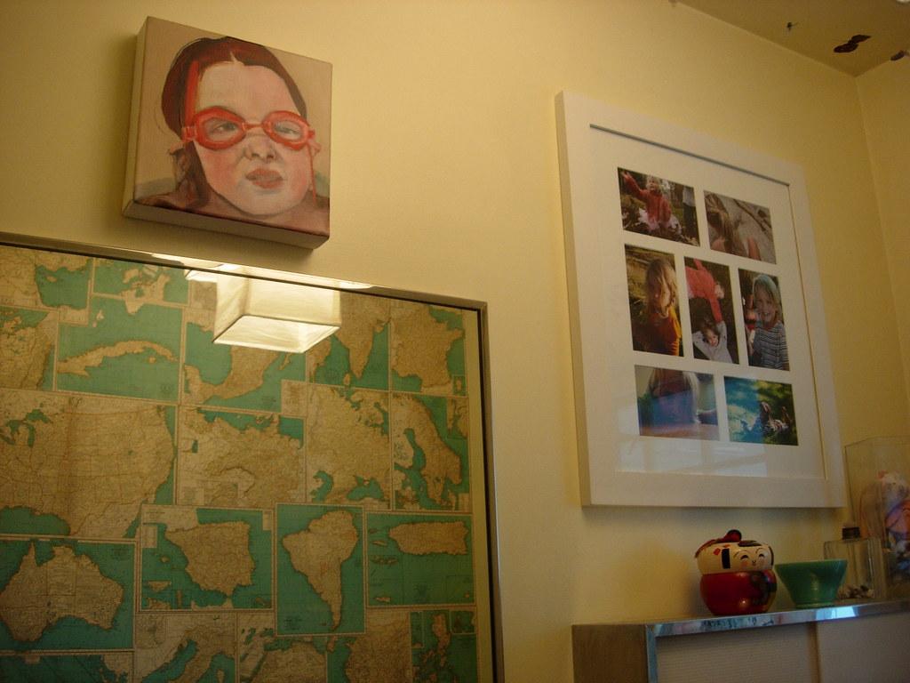 kids bath | i wallpapered the wall with old atlas maps. i ke… | Flickr