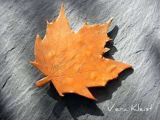 Autumn-Pin for my mother in law | by beadingvera - Schmuck Ideen Gestaltung