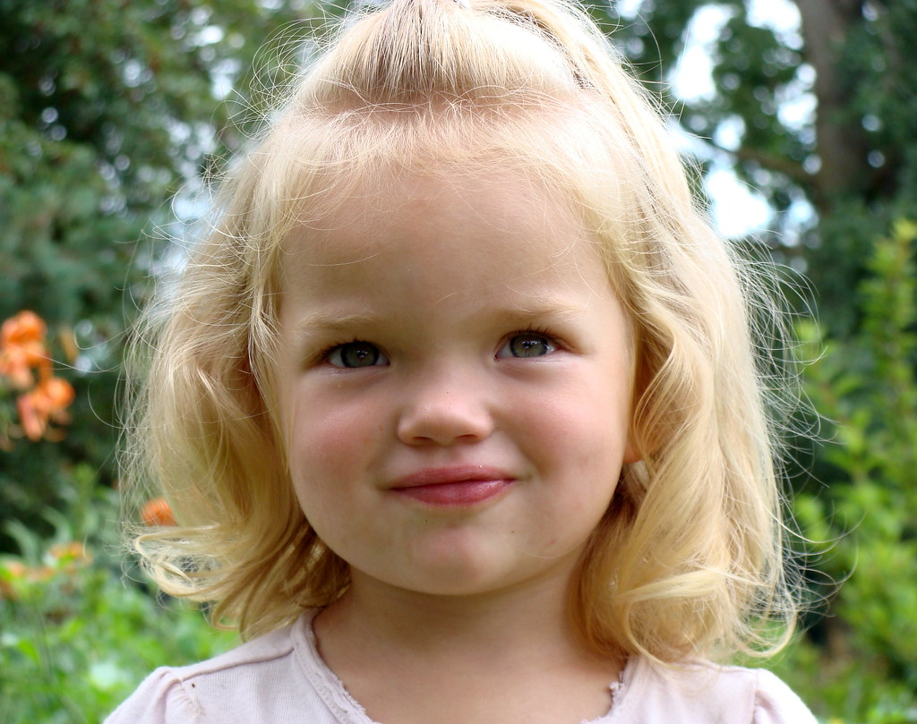 blonde little girl ... Little Blonde Girl | by Discoe