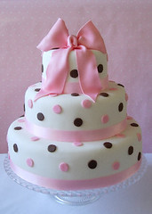 polka dot wedding cake | by caketasia