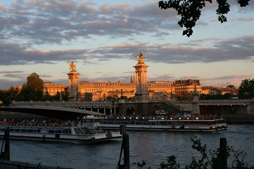 Pont Alexandre III from Quai d'Orsay | by Mizu001