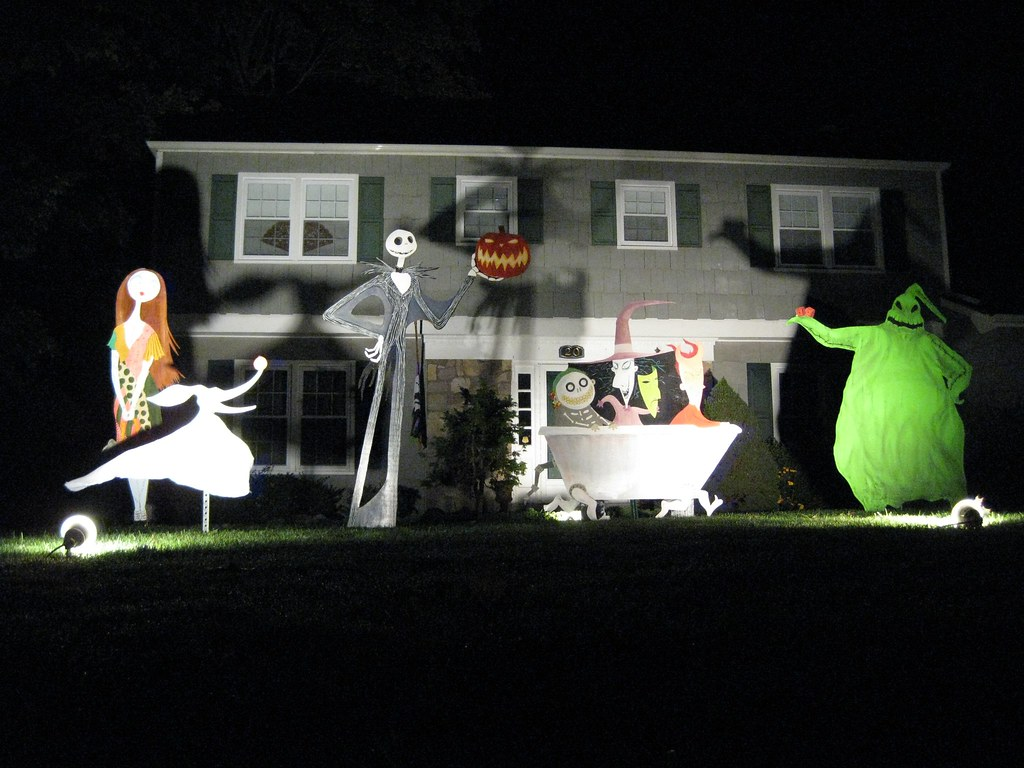 the nightmare before christmas decorations 08 by bradyurk