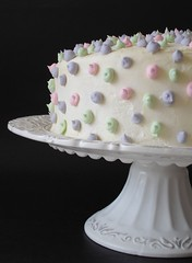Two years of blogging and a polka dot cake to celebrate it | by Patricia Scarpin