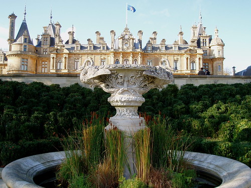 Waddesdon manor below the parterre waddesdon manor was for Parterre 3d