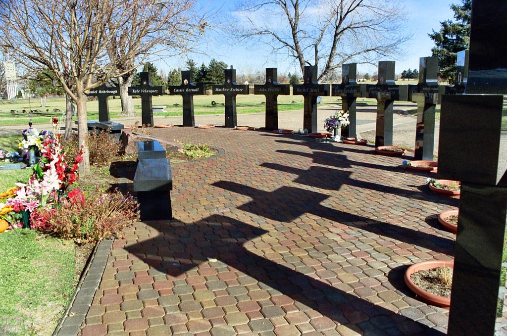 Columbine High School, Columbine Memorial Garden ...