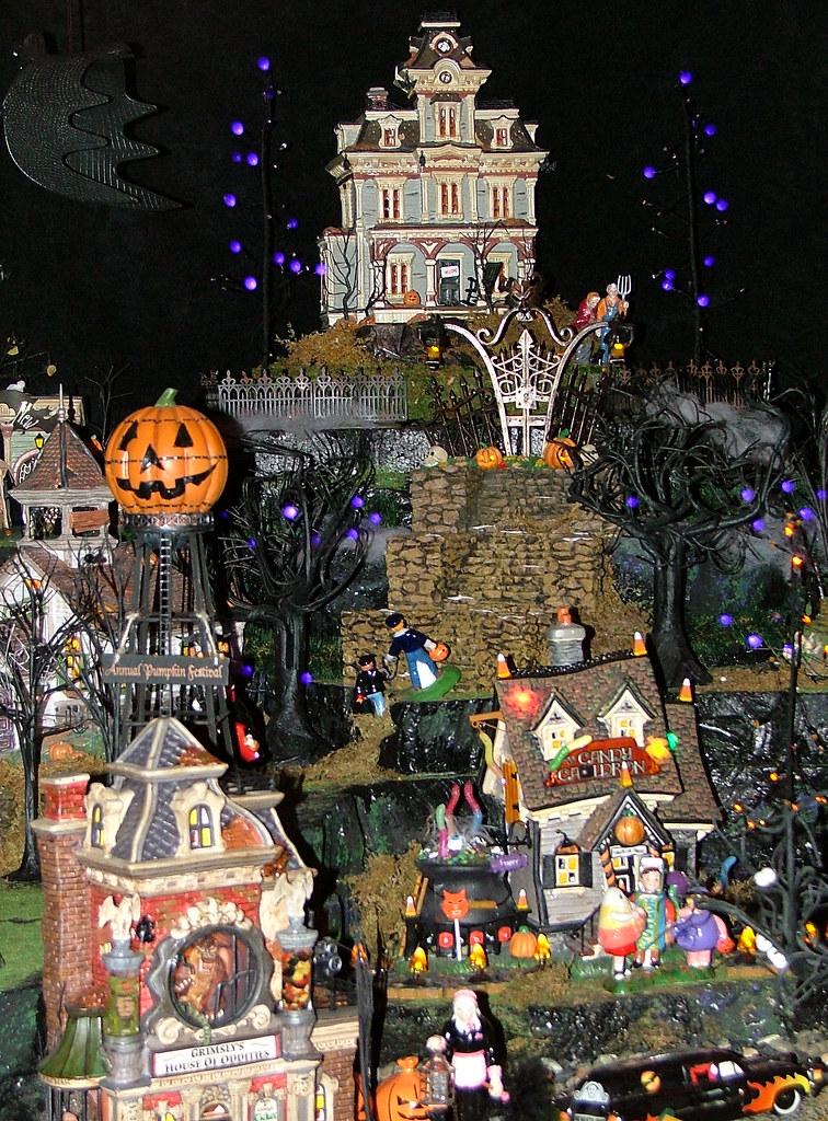 Department 56 - Halloween Village Display | Olde World Cante… | Flickr