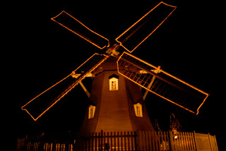 20081218 Denpark 09 (Night windmill) | by BONGURI