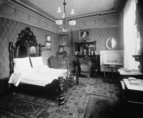 Bedroom interior 1880 39 s gaswizard flickr for Black and white vintage bedroom ideas