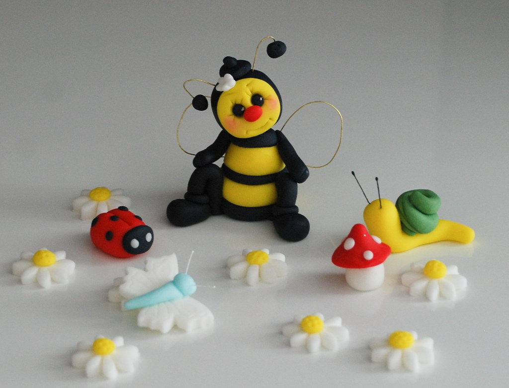 Bumble Bee Edible Cake Topper Birthday