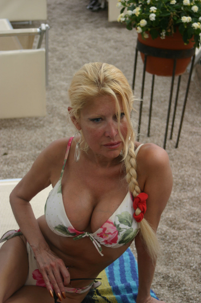kim milfs dating site Watch russian dating-site real foto milf 9 - 90 pics at xhamstercom mature, milf, amateur.