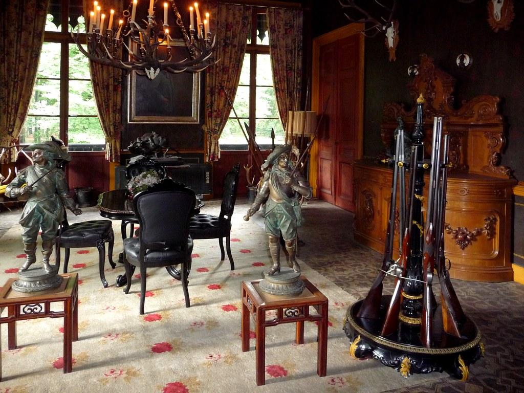 Interieur aardhuis de stijl of jachtkamer in het aardhuisu flickr