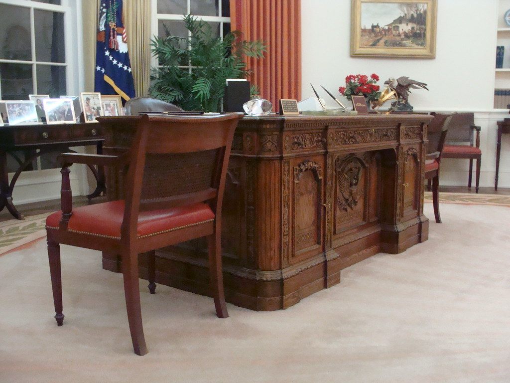 reagan oval office. Oval Office - Ronald Reagan Presidential Library, Simi Valley, California | By Cartoonist2006 O