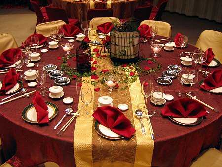 red-gold-centerpieces-table-settings-wedding-reception | Flickr