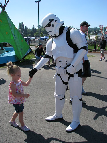 stormtrooper attacking little girl i know it looks. Black Bedroom Furniture Sets. Home Design Ideas