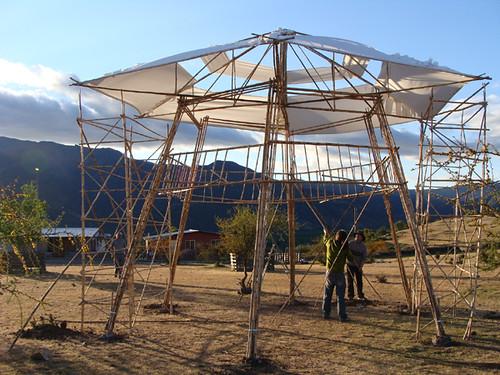Pergola de bambu piutaendo bambooswet flickr - Pergolas de bambu ...