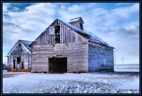 Corn Crib and a Barn | by Rascaille Rabbit