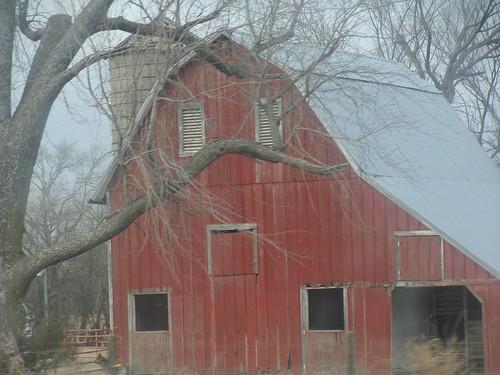 old red barn  ottawa  kansas