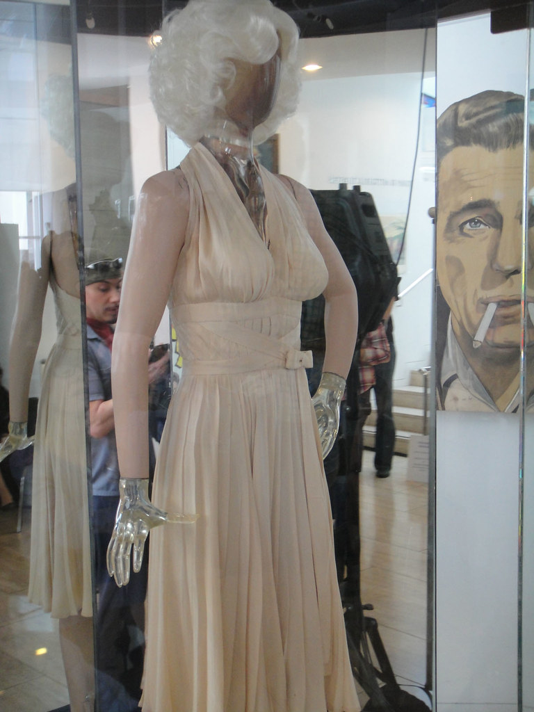 Monroe Marilyn dress auction pictures best photo