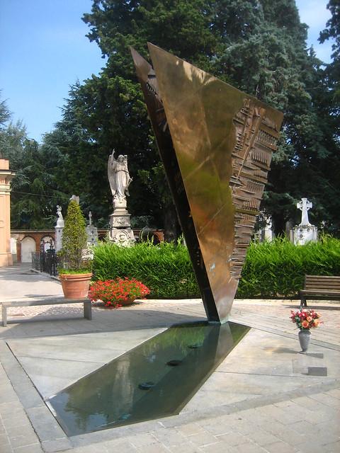 tomb of fellini
