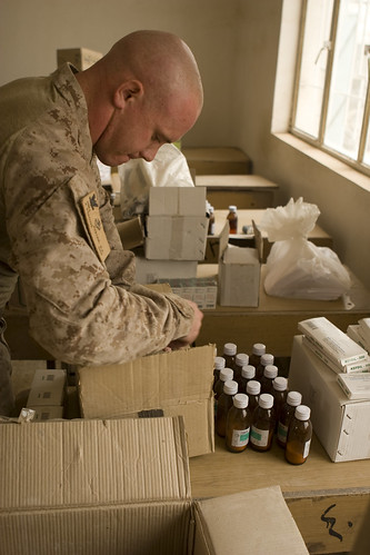 Hospital Corpsman Organizes Medicine | by America's Navy